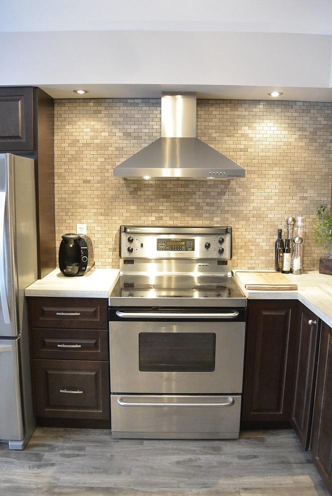 Fexa r novation de salle de bain armoire de cuisine et for Amenagement cuisine avec cheminee
