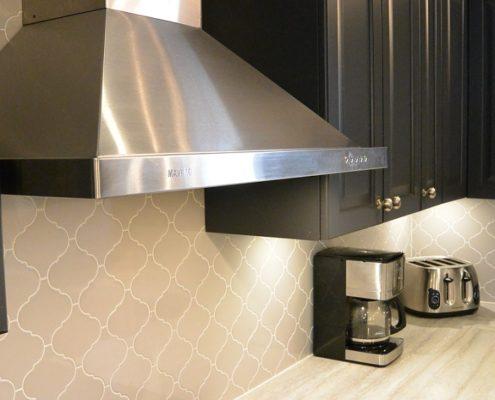 Dosseret de cuisine arabesque gris pâle, céramique murale, comptoir du cuisine, FEXA Cuisine