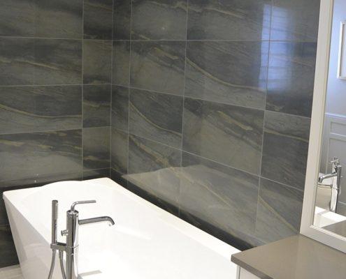 Rénovation salle de bain, installation céramique, bain autoportant, robinetterie sur pied, plomberie, FEXA