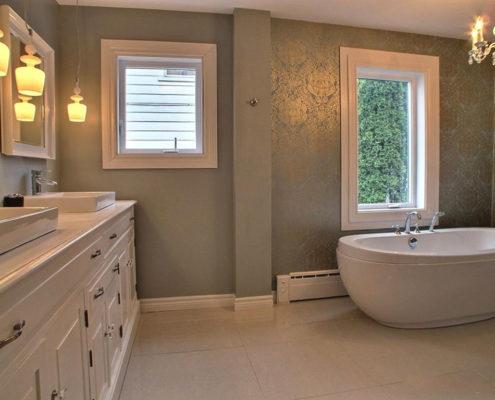 Rénovation salle de bain, meuble lavabo classique, armoire sur mesure, salle de bain chic glamour, bain autoportant, FEXA Salle de bain
